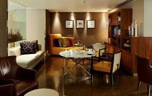 London Canary Wharf hotel's restaurant