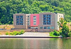 Chattanooga hotels on the riverfront