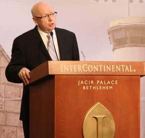 Global leader, Rev. Dr. Geoff Tunnicliffe, addresses Palestinian delegates in Bethlehem in March 2014