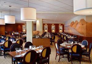 Hotels in Long Island