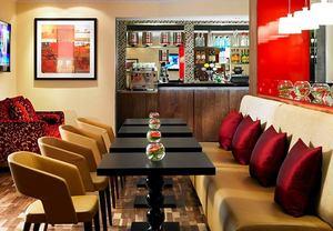 Pulse Bar & Caf�