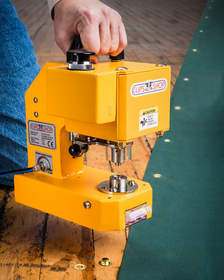 The ClipsShop(R) CS-TIDY-41 Pneumatic Grommet Machine