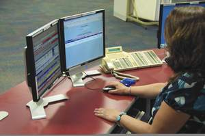 Dispatcher launching automated callout with ARCOS solution.