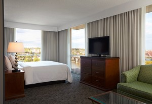 key bridge marriott guest room