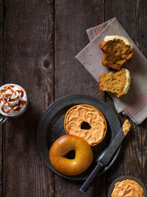 Einstein Bros. (R) Bagels Brings Back Pumpkin and Introduces More Fall Flavors
