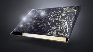 Dutch-born, London-based designer Tord Boontje created the HP Spectre by Tord Boontje that exhibits delicate, intricate and dreamlike pattern across the laptop. The 18K gold plated accents provide rich contrast with the patterns that gently intertwine with embedded Swarovski crystals set in a floral pattern against a deep Midnight Blue.