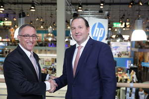 Mike Salfity, general manager and global head, Graphics Solutions Business, HP Inc / Roberto Villaquiran, CEO Smurfit Kappa Europe