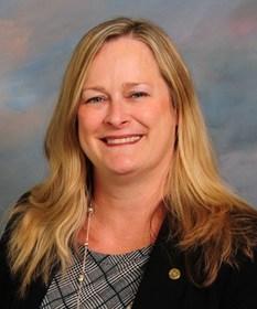 Cecelia T. Lardieri, Senior Vice President, Director of Human Resources at Peapack-Gladstone Bank