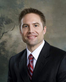 Dallas Orthopaedic Surgeon Dr. Brian E. Straus