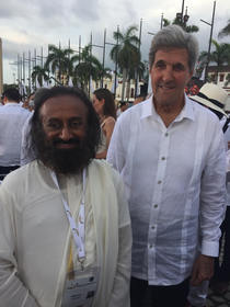 Global humanitarian Sri Sri Ravi Shankar with world leaders at the historic signing of the peace treaty at Cartagena de Indias, Colombia