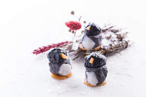 This year, foodies will enjoy both photographing and tasting adorable eats in the Food Zone that are almost too cute to bite into, such as Happy Penguin cuttlefish ball and over-sized 'Octopus Takoyaki'