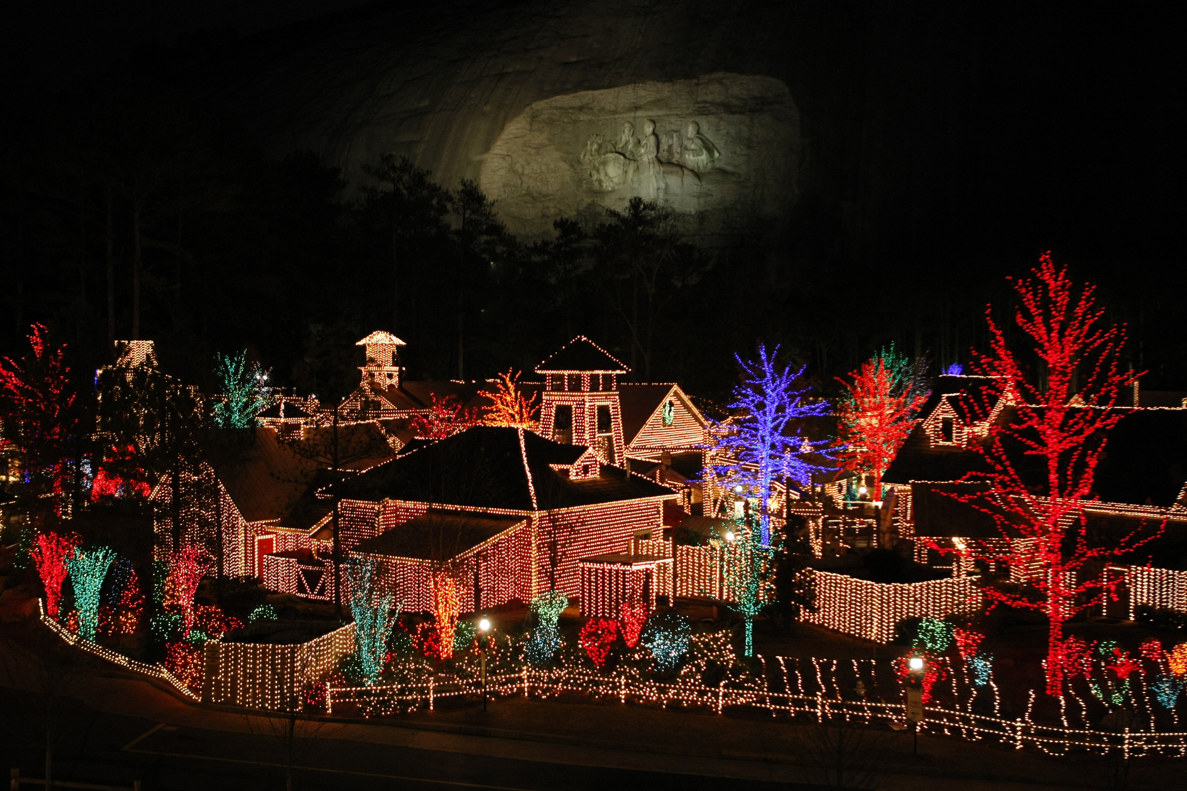 Plan a Picture-Perfect Stone Mountain Christmas at Atlanta Evergreen ...
