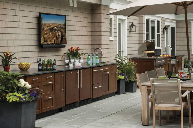 Stainless Steel is Trending Outdoors