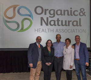 Organic & Natural Health Association hosted its second consumer retail educational program on April 23 in partnership with Syracuse, New York, health food store, Natur-Tyme. From right to left: Dr. Geo Espinosa, Dr. Dana Cohen, Dr. Joseph Mercola, Karen Howard and David Foreman. Photo credit: Thomas Mizzoni