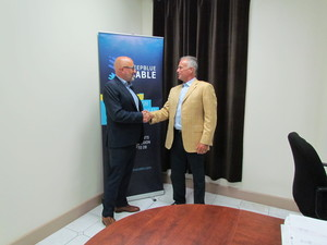 Deep Blue Cable and TE SubCom partner to build a state-of-the-art submarine cable system projected to enter service in Q4 of 2019. Photo: Stephen Scott, CEO of Deep Blue Cable, and Michael Rieger, VP of Sales & Business Development at TE SubCom.