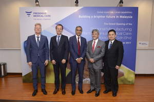 From left to right: Mr. Gerhard Breith, Senior Vice President, GMQ Asia Pacific, Mr. Harry De Wit, President and CEO, Fresenius Medical Care Asia Pacific, Mr. Mahesh Nair, Senior Vice President, Fresenius Medical Care South Asia Pacific, Tan Sri Dato' Hj. M. Ariffin Yusuf, Managing Director of Prima Group, and Mr. Michael Wong, Managing Director, Fresenius Medical Care Malaysia